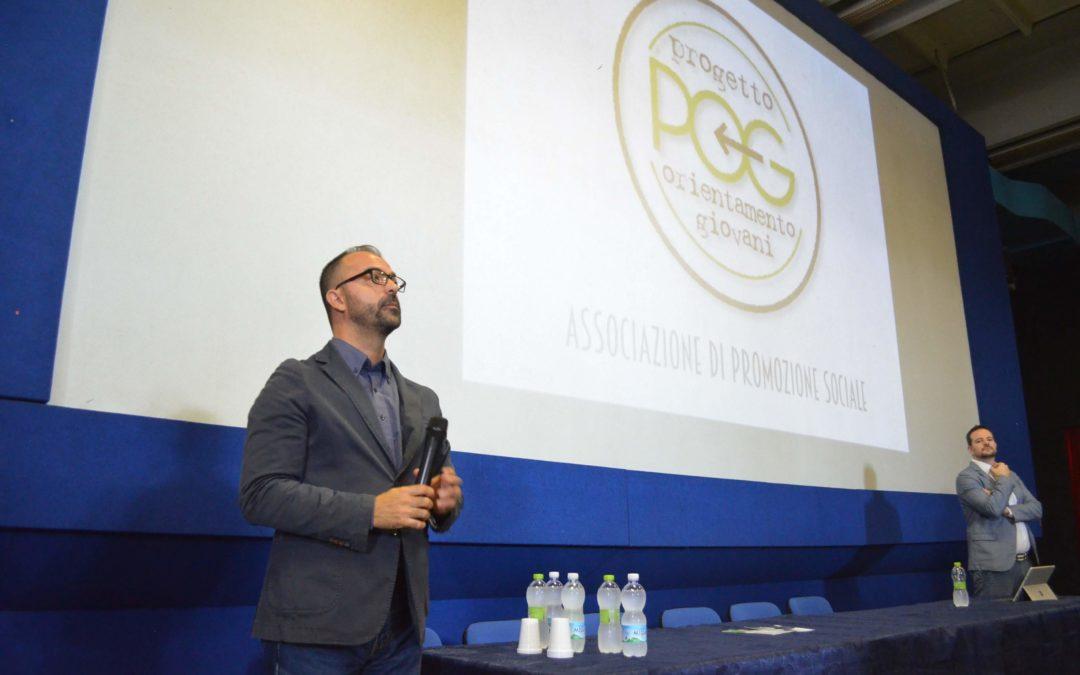 Il Ministro dell'Istruzione Lorenzo Fioramonti apre il progetto del POG